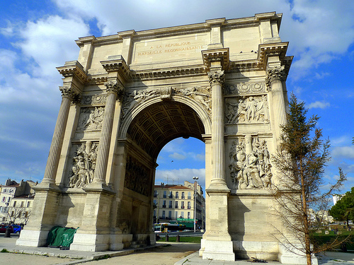 The infamous arch of Etoile in Paris, was built in honor of Louis XIV and in memory of the end of the American War of Independence