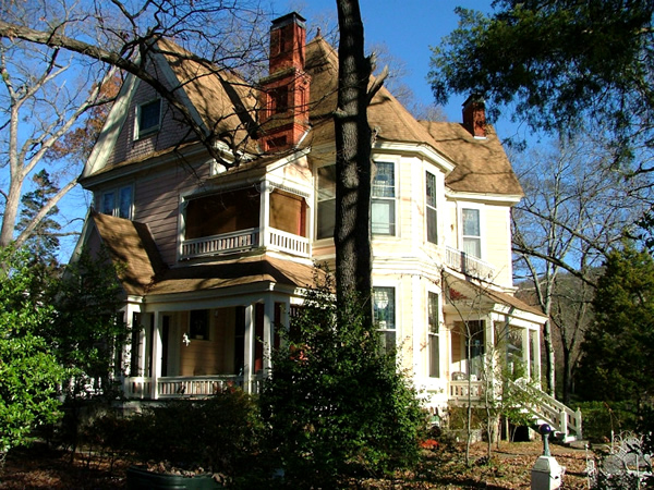 1884 Wildwood Bed and Breakfast