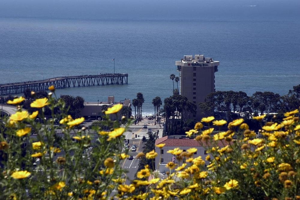 https://www.freefunguides.com/wp-content/uploads/2020/01/overlooking-ventura-in-the-spring.jpg