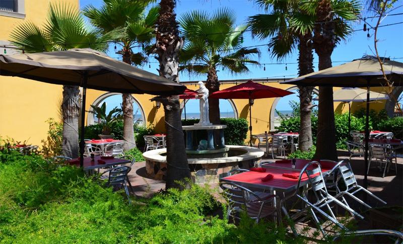 Mario's Seawall Italian Restaurant outdoor seating