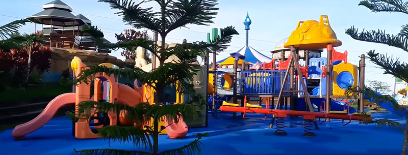 playgrounds at disney resports